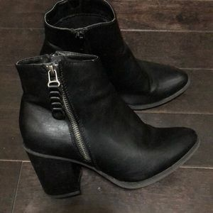Madden girl size 7 ankle boots